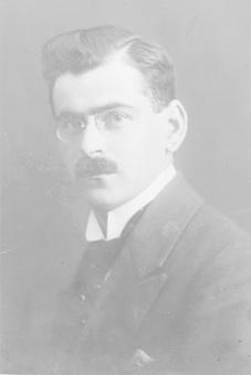 Dr. Hugo Jokl po promoci doktorem filozofie na univerzitě ve Vídni roku 1920.